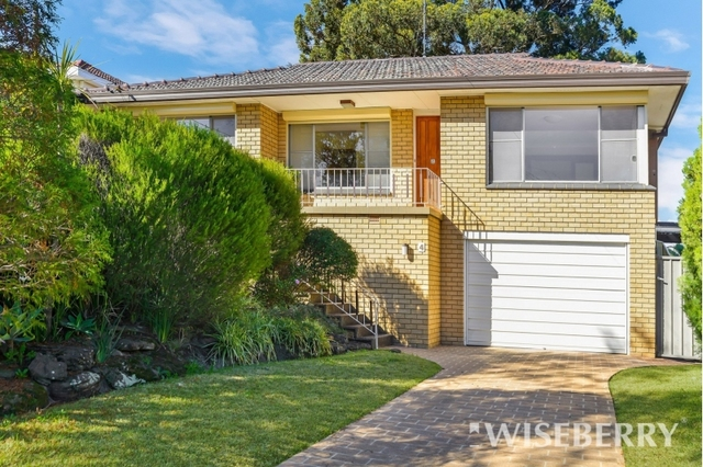 4 Saric Avenue, Georges Hall NSW 2198