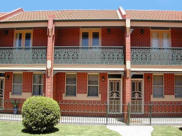 7/11 Crampton Street, NSW 2650
