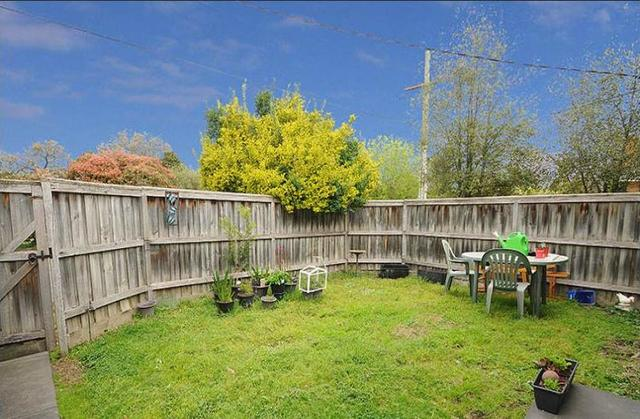 4A Pentlowe Road, Wantirna South VIC 3152