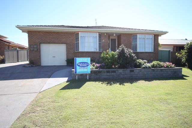 1/3 Commodore Place, Tuncurry NSW 2428