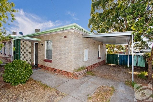 23 Stakes Crescent, Elizabeth Downs SA 5113