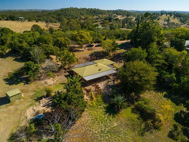 99 Stokes Road, Pine Mountain QLD 4306