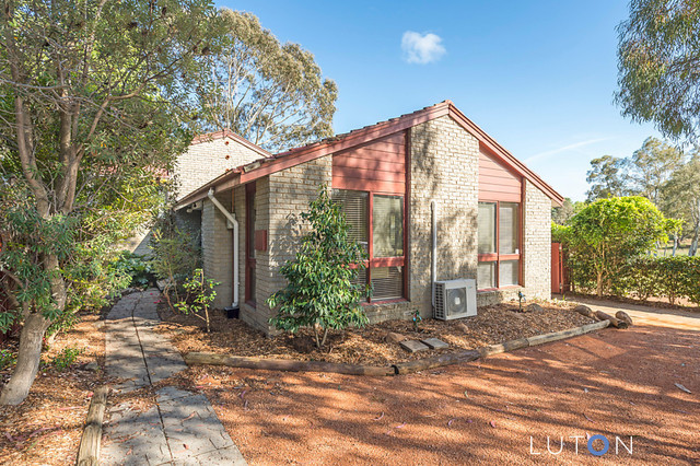 5 Skirving Place, ACT 2615
