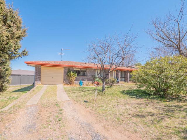 20 Freeman Crescent, NSW 2350