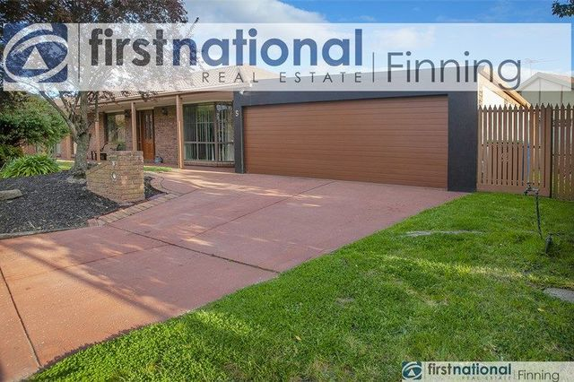 5 Bamboo  Court, VIC 3977