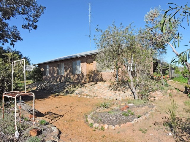 8 Great Southern Hwy, Beverley WA 6304