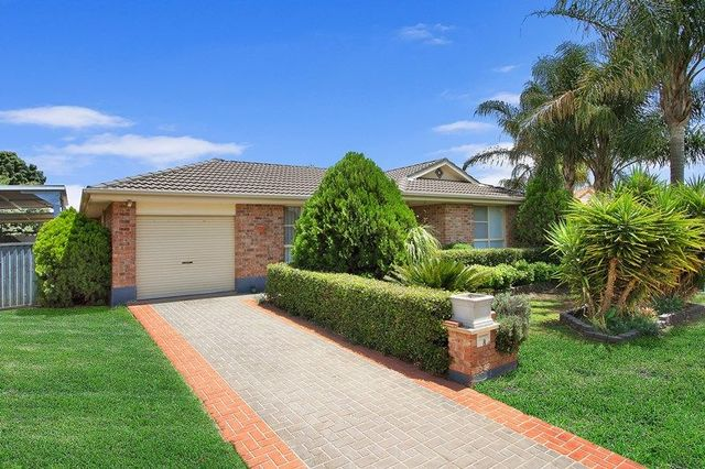 8 Giles Place, NSW 2340