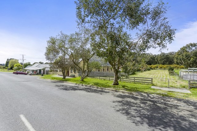 71 Main Road, Mount Egerton VIC 3352