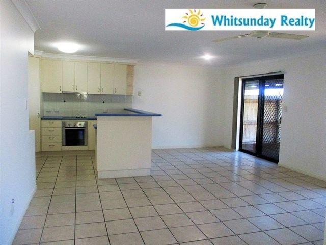 2/18 Banksia Court, Cannonvale QLD 4802