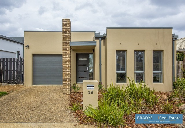 38 Bungle Bungle Crescent, Harrison ACT 2914