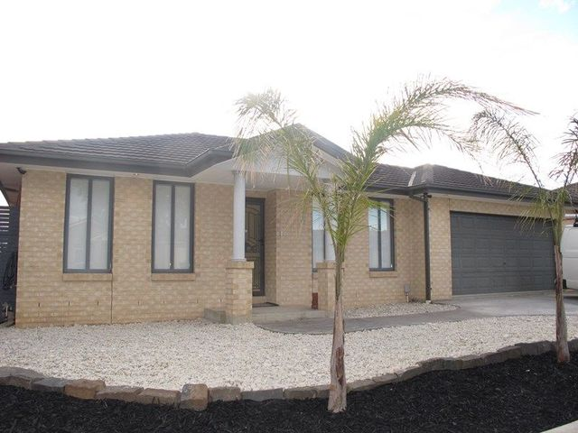 9 Cooks Way, Taylors Hill VIC 3037