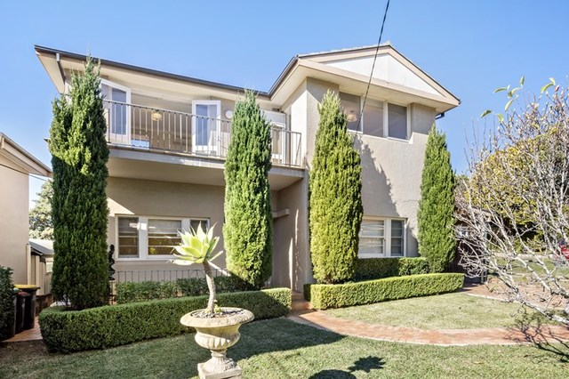 33 Raeburn Avenue, Castlecrag NSW 2068