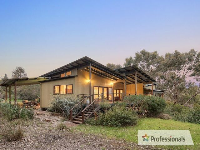 18 The Dell Retreat, Yallingup WA 6282