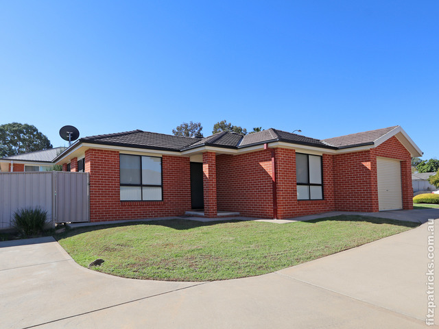 1/26 Dove Street, Mount Austin NSW 2650