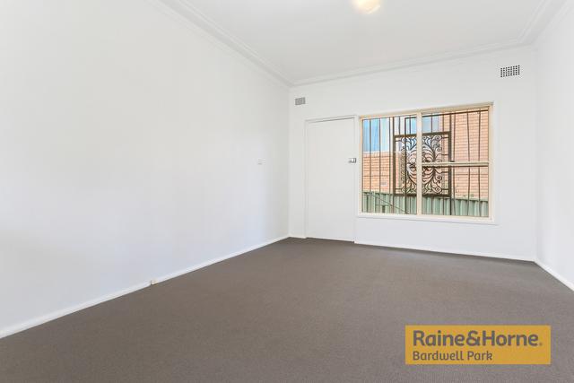 1/1 Bayley Street, NSW 2204