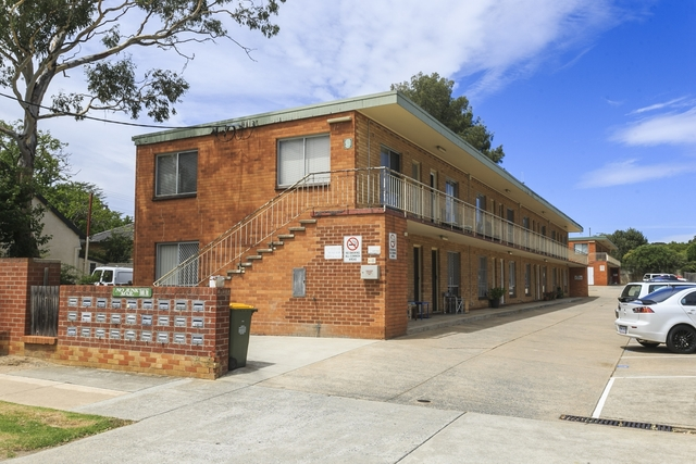 16/9 Macquoid Street, Queanbeyan East NSW 2620