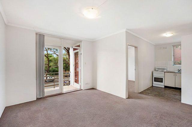 2/9 Templeman  Crescent, NSW 2036