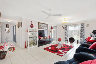 12 Oriole Court Eli Waters QLD 4655