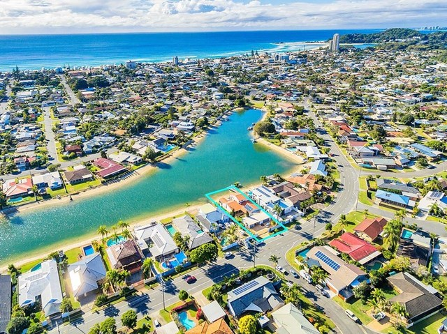224 Mallawa Dr, Palm Beach QLD 4221