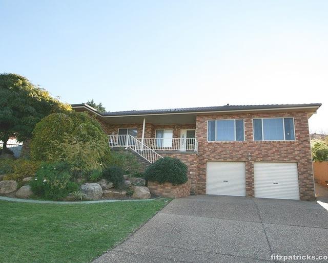 65 Simkin Crescent, Kooringal NSW 2650