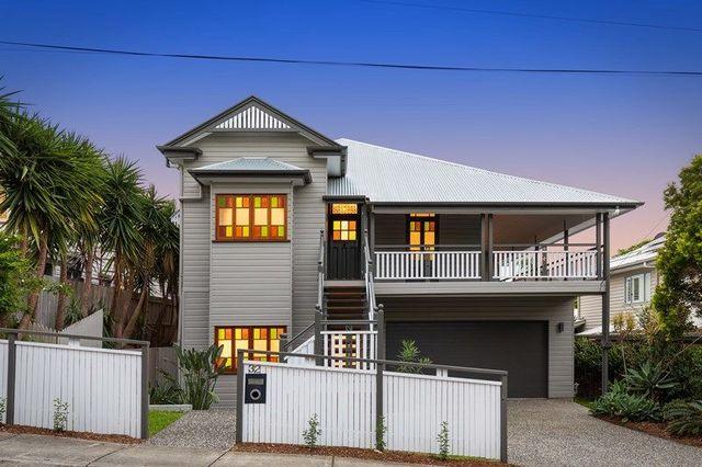 32 Lockhart Street, QLD 4102