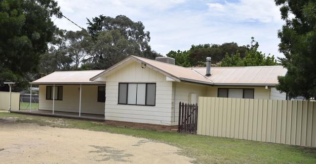 40 Brundah Street, Grenfell NSW 2810