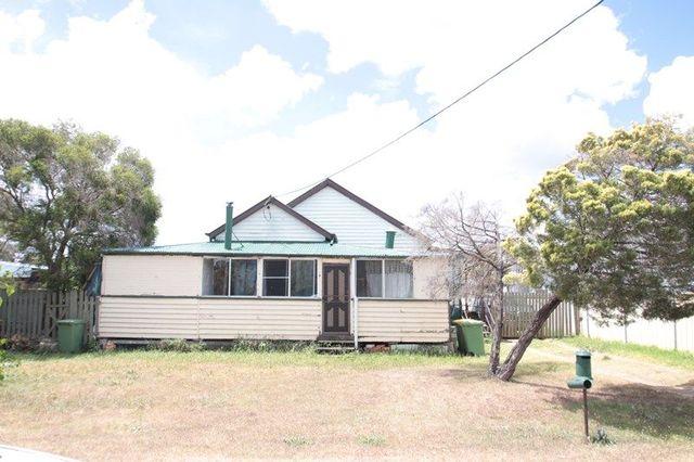 38 Queen Street, Oakey QLD 4401