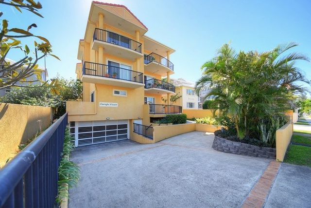 2/37 Sunbrite Avenue, Mermaid Beach QLD 4218