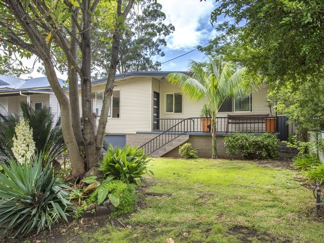 18 Ilett Street, Mollymook NSW 2539