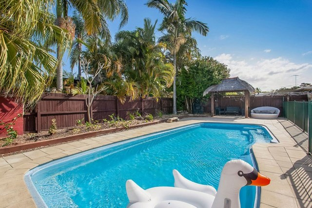 71 Cypress Drive, Broadbeach Waters QLD 4218