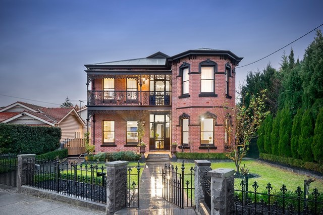 2 Ferry Crescent, Brunswick West VIC 3055