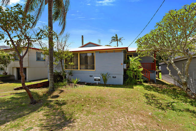 8 Winter Avenue, Mylestom NSW 2454