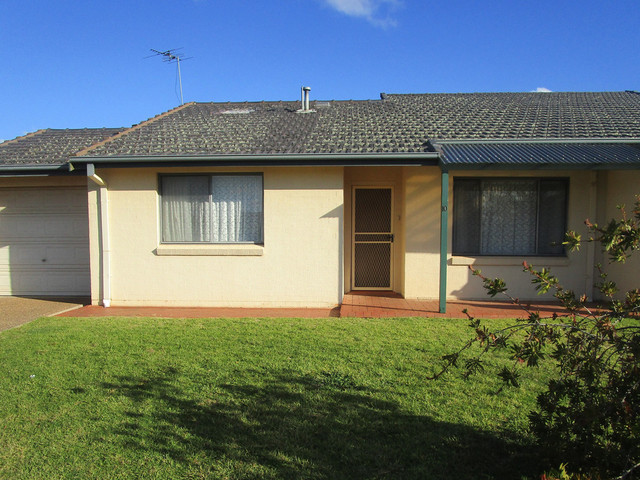 Unit 10/4 Old Barracks Lane, Young NSW 2594