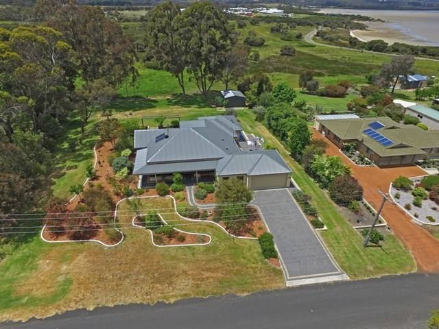 11 Barameda Road, Lower King WA 6330