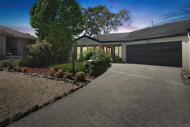 13 Coora Place, Jerrabomberra NSW 2619