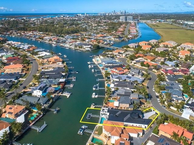 6 Saltbreeze Court, Runaway Bay QLD 4216