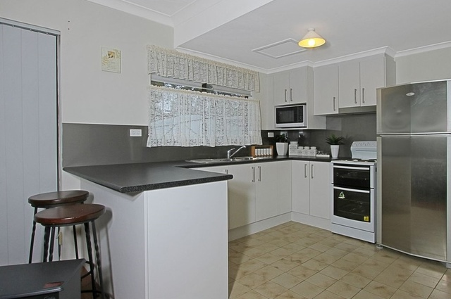 2/72 Surf Beach Avenue, NSW 2536