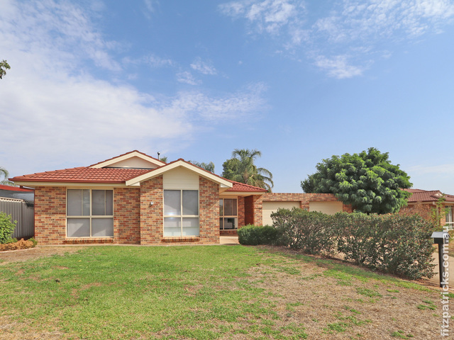 27 Kaldari Crescent, NSW 2650