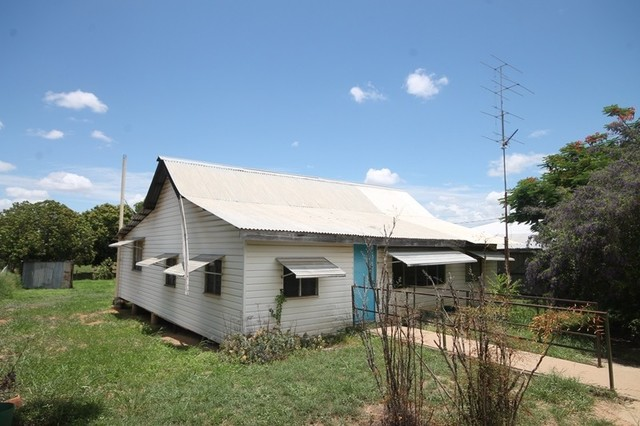 19 Melville Street, Charters Towers City QLD 4820
