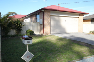 19 Tuncurry Lane