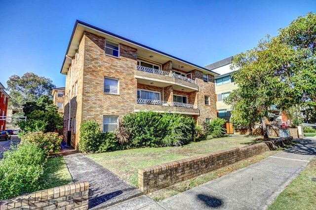 170 Russell Avenue, NSW 2219