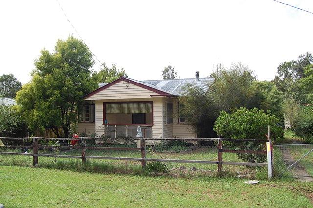 33 Oak Street, Bonalbo NSW 2469