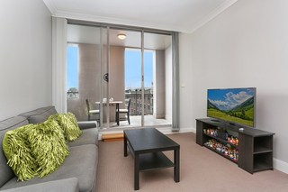 404/2-12 Smail Street