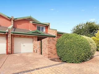 2/21 Noongale Court