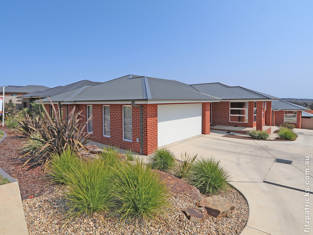 1/114 Brooklyn Drive, Bourkelands NSW 2650