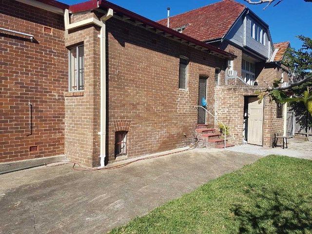 4/225 Burwood Road, Burwood NSW 2134