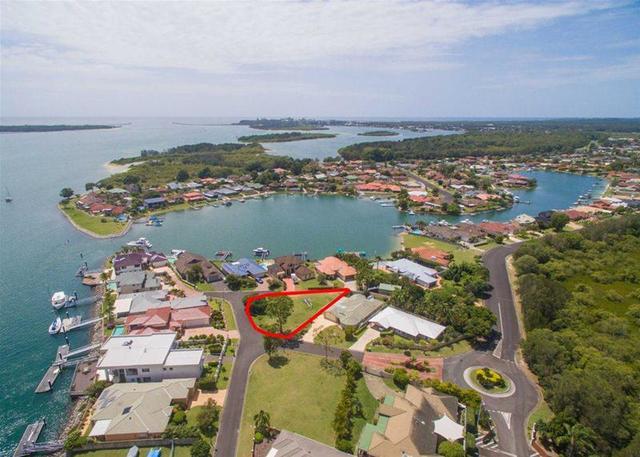 6 Edgewater Close, Yamba NSW 2464