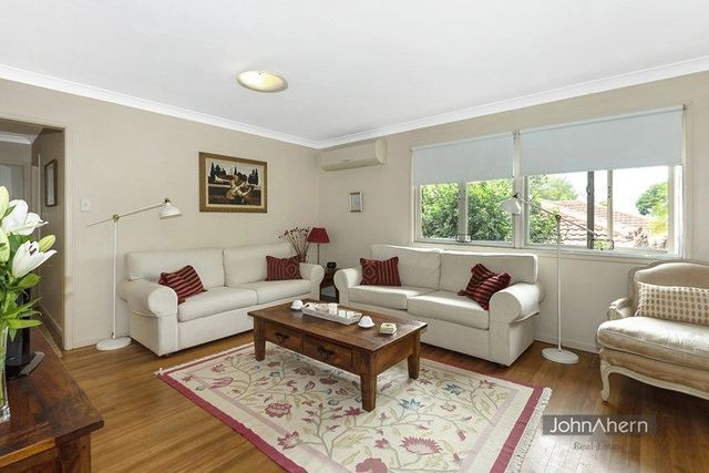 84 Barmore St, QLD 4121