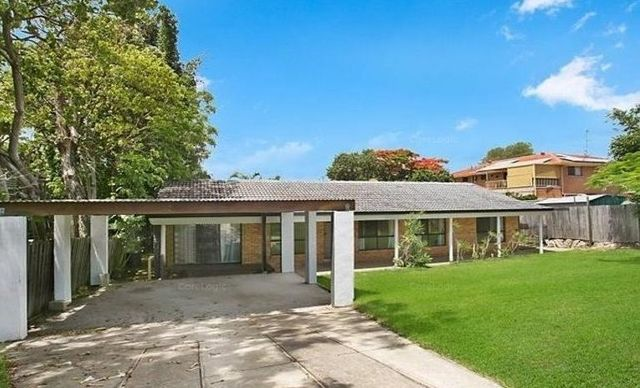 8 Myall Street, Southport QLD 4215