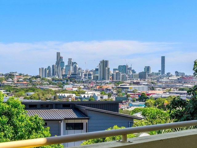 4/25-27 Whytecliffe Street, QLD 4010